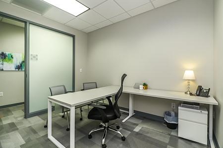 Office Evolution - Overland Park - Day office