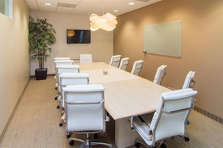 (VON) Von Karman Corporate Center - Cozy Interior Office