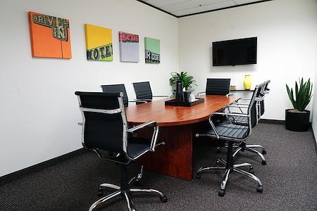 Executive Workspace @ 777 Main - Medium Conference Room