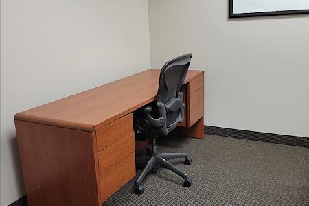 Minnetonka OffiCenter - Office 141