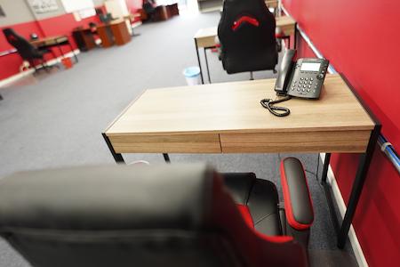 Unlimited Marketing - Dedicated Desk 1