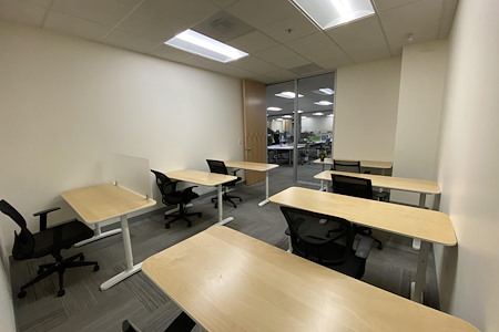 Z-Park Silicon Valley Innovation Center - R1054 Team Office for 6 ppl
