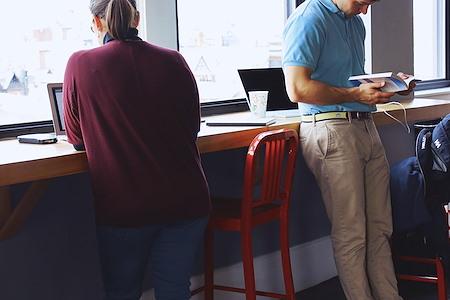 Idea Space - Back Bay - Open Desk Space