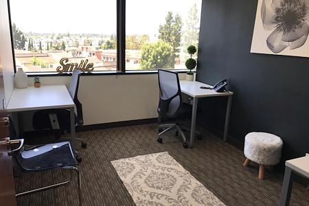 Regus | Wells Fargo Los Angeles - Window Office