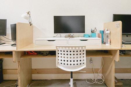 OSTUDIO - Dedicated Desk