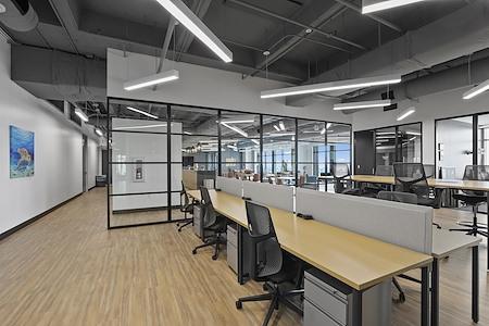 Venture X | The Realm at Castle Hills - Dedicated Desk