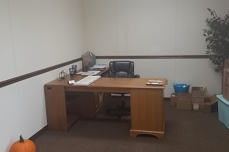 Montgomery Business Commons - Private Office