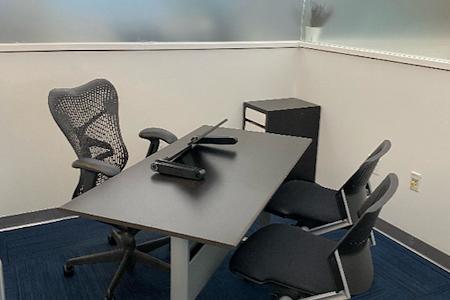 Momentum Business Center - Interior Suite