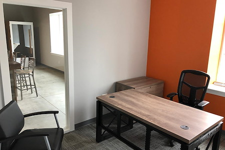 The Hallwayz - Office for 4