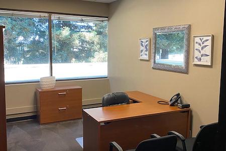 580 Executive Center - Suite 105