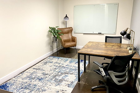 Outlet Coworking - Daily Private Office