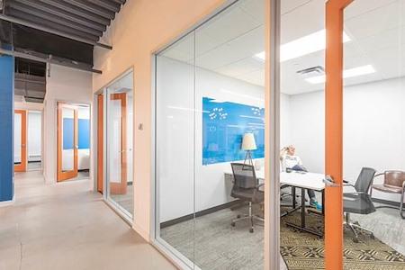 Expansive - TriTech Center - Day Office