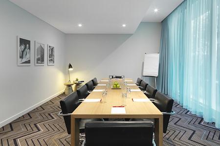 Adina Bondi Beach - Community Room