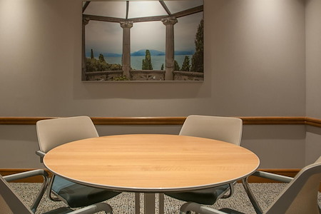 Symphony Workplaces - Palm Beach - Focus Meeting Room for 4