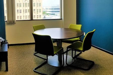 Pacific Workplaces - Bakersfield - Opus Meeting Room