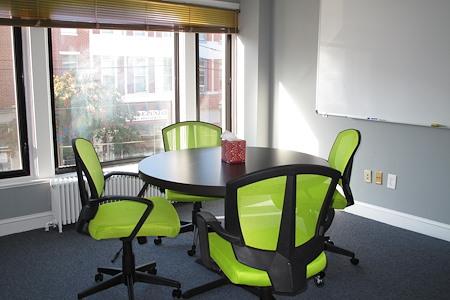 HeadRoom - Media - Meeting Room #4