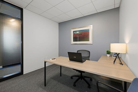 Carr Workplaces - Tysons - Flex Office - Monthly