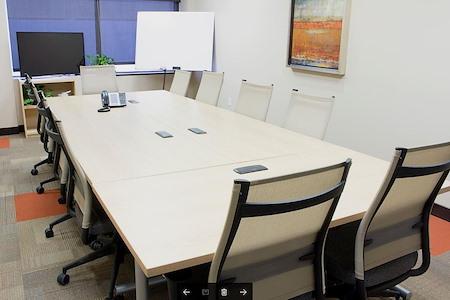 Avanti Workspace - Broadway Media Center - Medium Boardroom (Exterior)