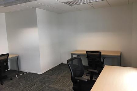 (SM4) Ocean Avenue - Interior Office