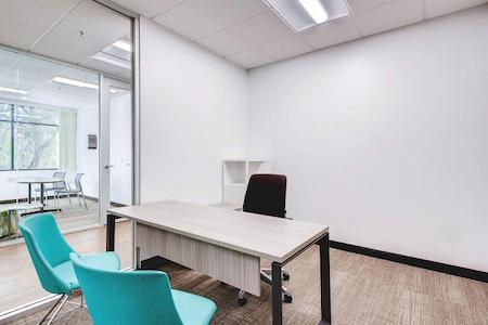 Avanti Workspace - Carlsbad - Wedge Meeting Room