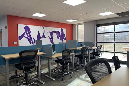 Black Lab Sports - Dedicated Desks