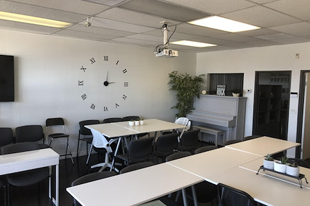 Production Office near Sony Studios - Meeting Room  in Culver City