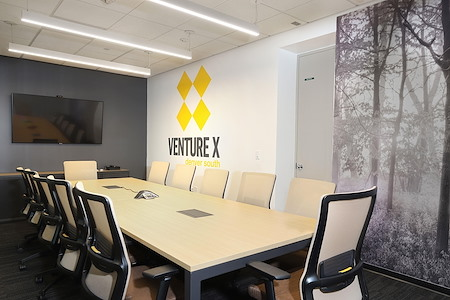 Venture X   Denver South - Washington Park Room- Free Parking