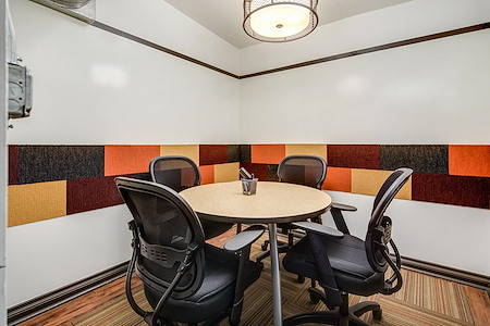 Shift Workspaces | Corona - Conference Room C
