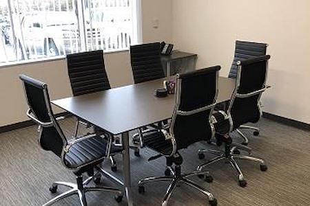 Intelligent Office-Westminster - Medium Conference Room