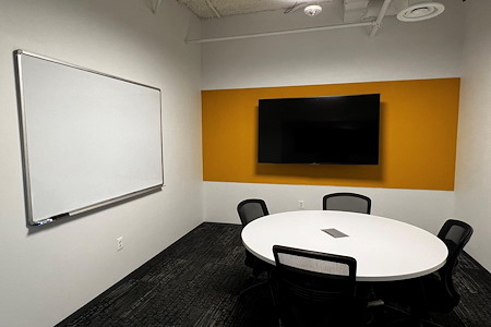 Workspace at Reston Town Center - Lake Newport Meeting Room
