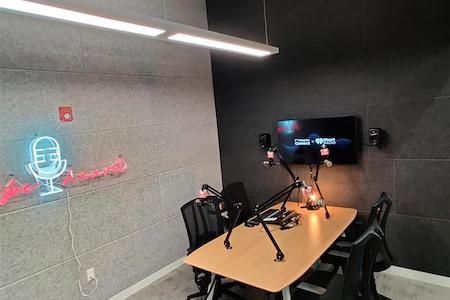 Staples Studio Boston (Government Center) - Podcasting Studio