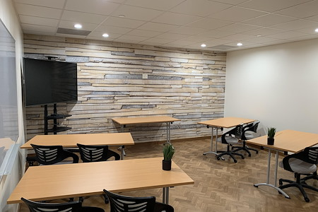 Wilshire 1001 Premium Flex Space & Coworking Solutions - Training Room