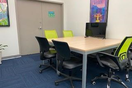 Momentum Business Center - Small Meeting Room