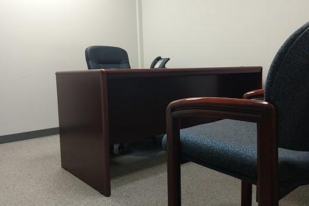 3LS Work Spaces @ Perimeter Park - Office 12 - Private Interior Office