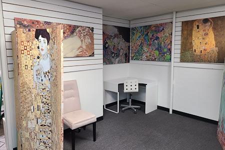 Supreme Art - Klimt Office Desk Space