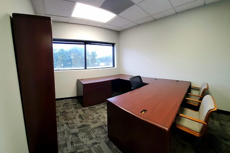 DemiSar Workspace - Private Office 213