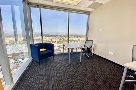 Regus Warner Center - Corporate Office Space For 10