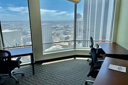 Regus | US Bank Tower - 2820