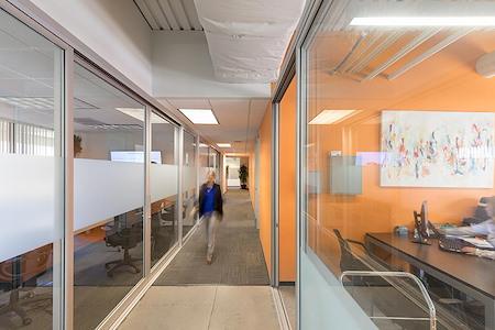 (GTW) Gateway Plaza - Interior Office