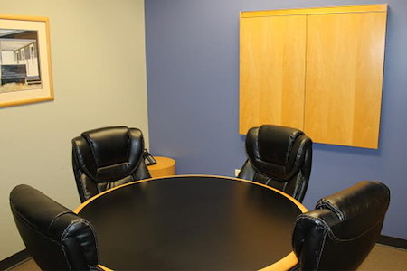 Intelligent Office of Lincolnshire - Medium Conference Room