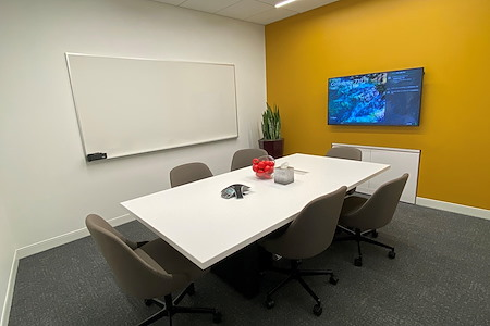 Orchard Workspace by JLL - Livingston Meeting Room