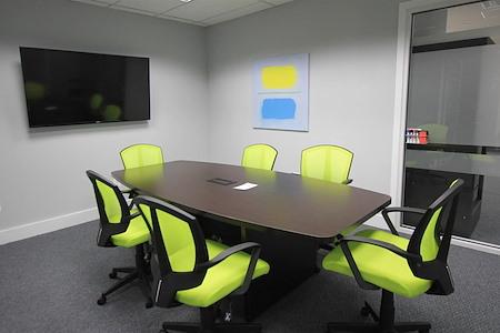 HeadRoom - Wayne - Conference Room 3