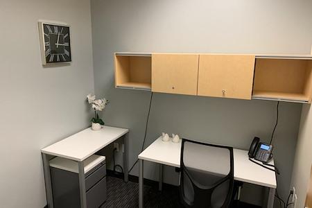 Regus   Esquire Plaza - Office 1740