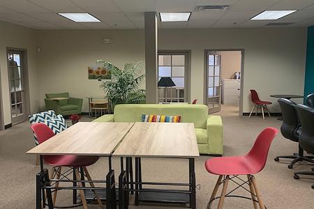Office Alternatives Westside - WiFi Coworking Lounge Day Pass/Hot Desks