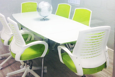 """CoworkLWR - 6 Person Glass Conference Room 47"""" TV"""