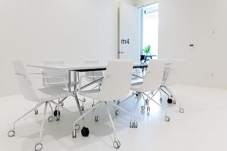 CENTRL Office - West End - M4 - Medium Photo Room