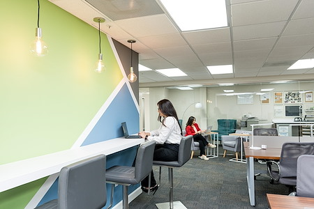 Lakeside Executive Suites - Coworking