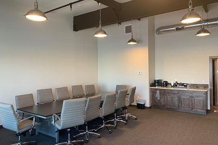 Clearsuites - Conference Room