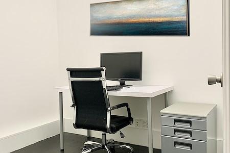 TKO Suites - Midtown West - 1-2 Person Interior Office