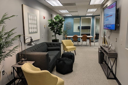 NorthPoint Executive Suites Duluth - Hotdesking Space